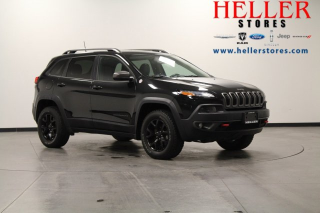 Pre-Owned 2016 Jeep Cherokee Trailhawk