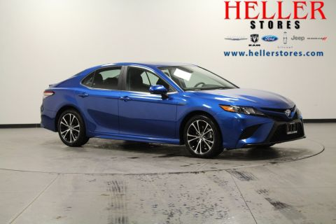 Pre-Owned 2020 Toyota Camry Hybrid SE
